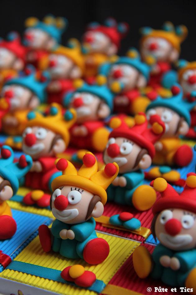 Boîtes à dragées clowns thème cirque