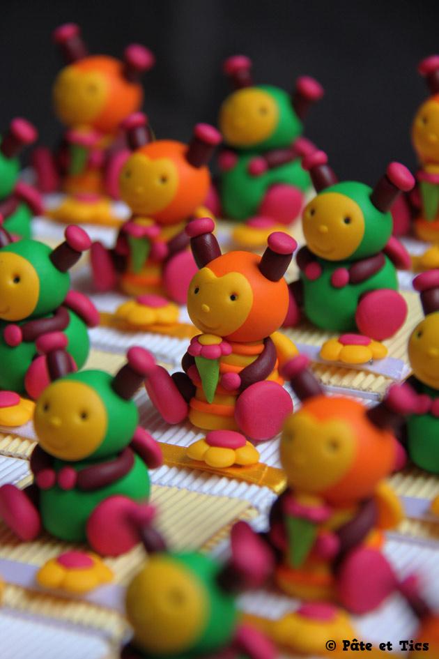 Boîtes à dragées doudous peluches abeilles Louna