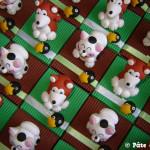 Boîtes à dragées manekinekos et chiens akitas thème Japon