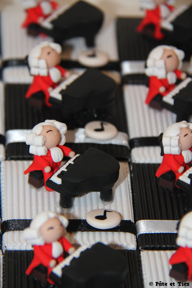 Boîtes à dragées virtuoses Mozart au piano thème musique