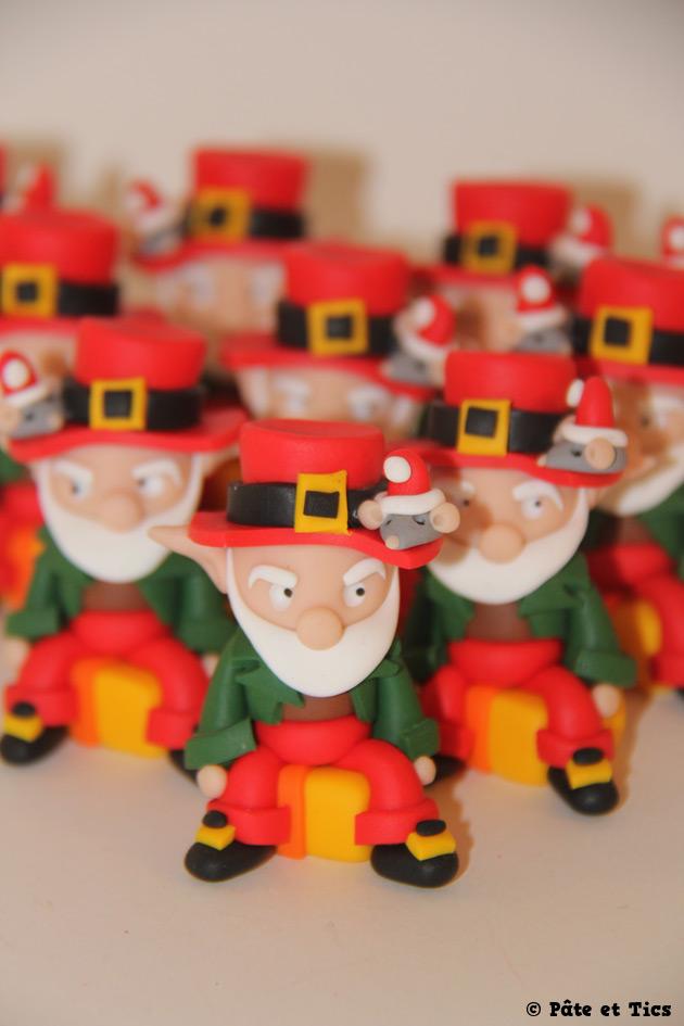 Petits sujets figurines lutins de Noël