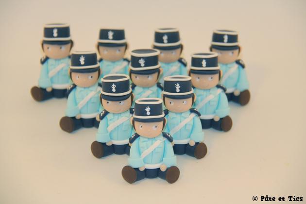 petits-sujets-gendarmes-02