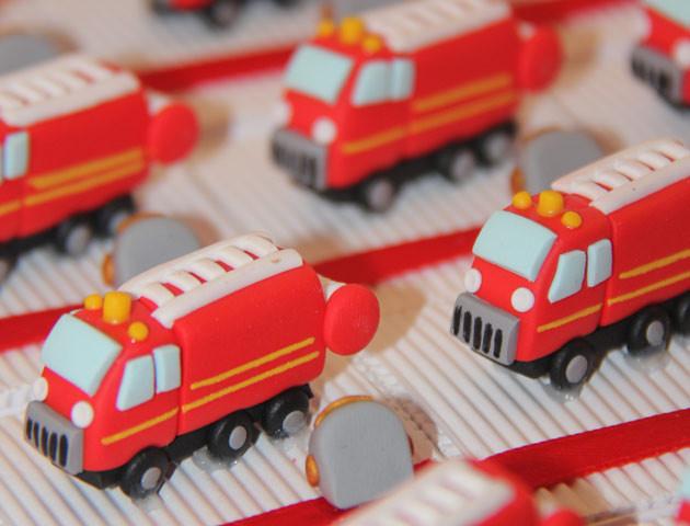 Boîtes à dragées camions de pompiers