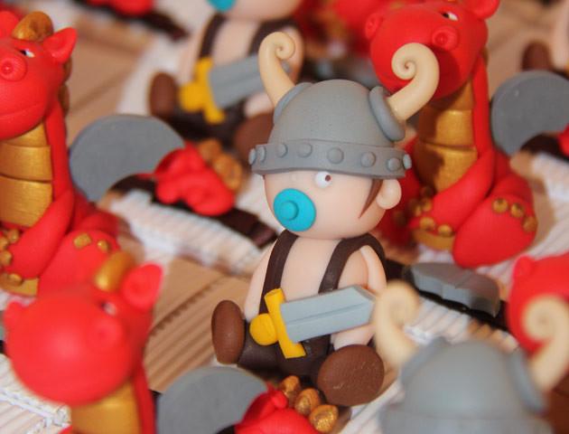 Boîtes à dragées bébés vikings et dragons