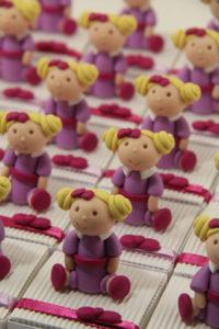 Boîtes à dragées peluches doudous poupées